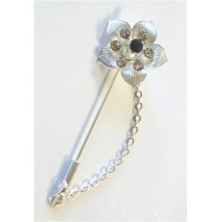 Silver pin for Hijab in the form of a flower with diamonds