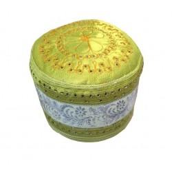 Chachia rigide verte avec des jolies decorations argentées