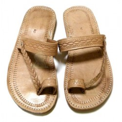 Moroccan handmade sandals / flip flops in beige