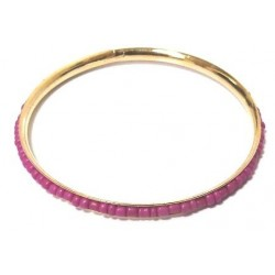 Women's fancy bracelet in gold metal garnished with a band of oval mauve pearls