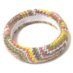 Multicolor women's fancy bracelet in cotton thread