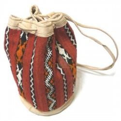 Handcrafted kilim carpet bag and beige leather with Berber patterns