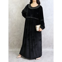 Robe en velours avec broderies (Plusieurs couleurs disponibles)