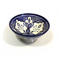 Salad bowl / Medium deep dish in painted pottery and decorated in blue and white