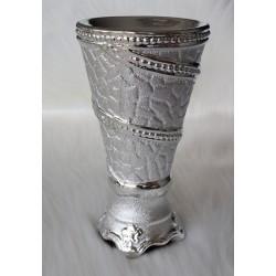 Silver porcelain weir