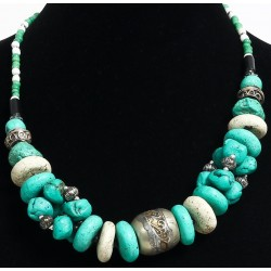 Ethnic necklace imitation turquoise stones, white with beautifully chiseled silver accents