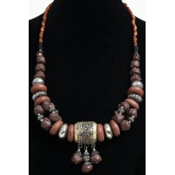Magnificent ethnic artisanal necklace imitation brown stones, arranged with frames and...