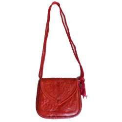 Moroccan artisanal bag in red leather with sewn patterns