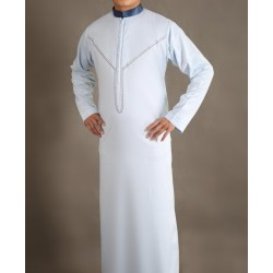 Stylish Qamis for top-quality men white color with embroidery