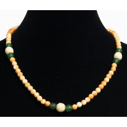 Ethnic handmade necklace imitation yellow, green and white pearls