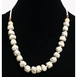 Ethnic artisanal necklace imitation white stones embellished with white pearls and metal