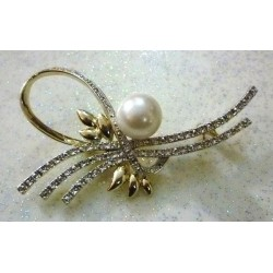 Silver Hijab brooch with big pearl in the middle