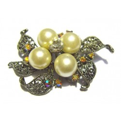 "Silver ""flower"" brooch with large pearls for Hijab"