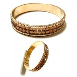 Women's bracelet with shiny light brown rhinestones