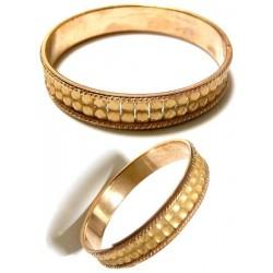 Women's bracelet with shiny beige rhinestones