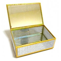 Jewelery box decorated with approved sequins with a mirror inside