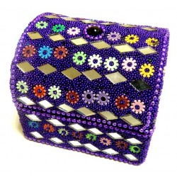 Shiny jewelry box decorated in mauve color