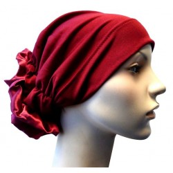Hat in satin fabric with large flower (Bordeaux)