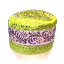 Green rigid chachia with nice decorations
