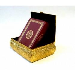 Coffret métallique doré avec Le Saint Coran assorti