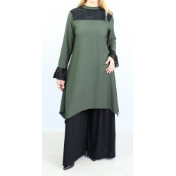 Loose tunic in dark khaki color with black lace
