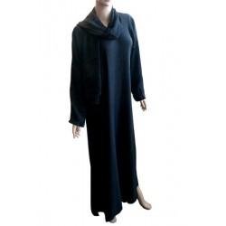 Sober black abaya with matching shawl (Dubai)