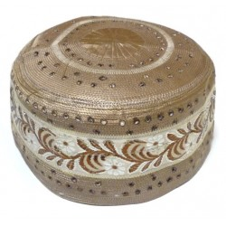 Rigid Chachia in shiny light brown color