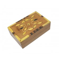 Handcrafted rectangular decorative jewelry box in thuja wood with floral motifs