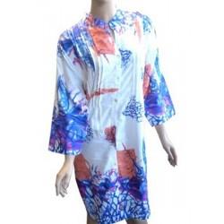 Jolie tunique blanche à motifs bleus fuchias et corail