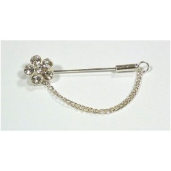 Hijab pin with white diamonds in the shape of a flower