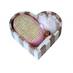 Complete set for bath and hammam in heart-shaped basket