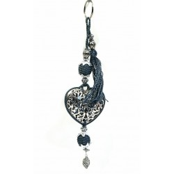 Handcrafted heart key ring in chiseled silver metal and sabra pompom - Gray