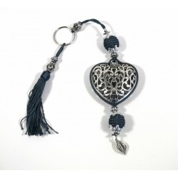 Handcrafted heart key ring in chiseled silver metal and sabra pompom - Fuchsia