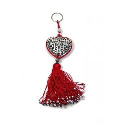 Porte-clés artisanal coeur en métal argenté ciselé et pompon en sabra - Rouge